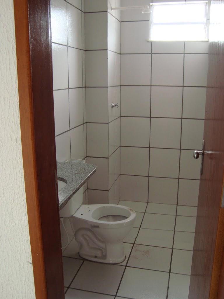 Banheiros Revestidos Simples : Banheiro com cor ?rica rocha